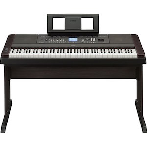 yamaha DGX650B is the best keyboard with weighted keys
