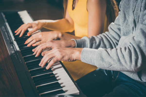 Using Duo Mode - Sitting Side by Side and Using Same Piano Keyboard as two pianos